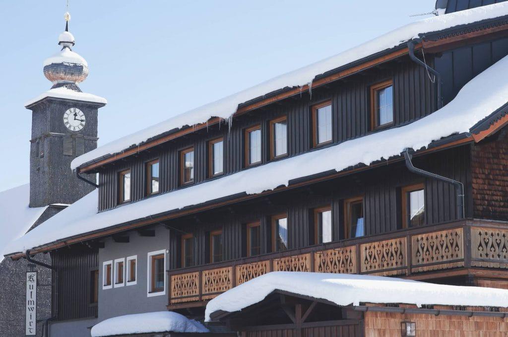 Kulmwirt im Winter mit Kirch